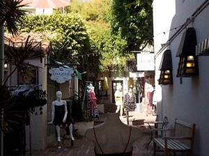 Downtown Ventura shop Plaza