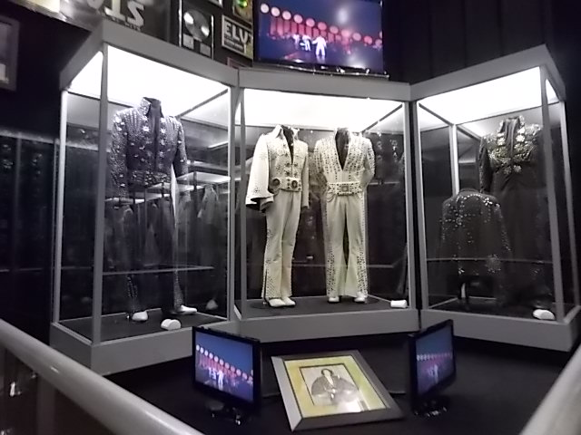 G Graceland shrine Show clothing