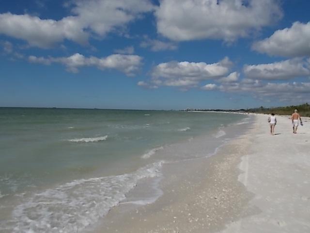 LKSPB Beach & clouds