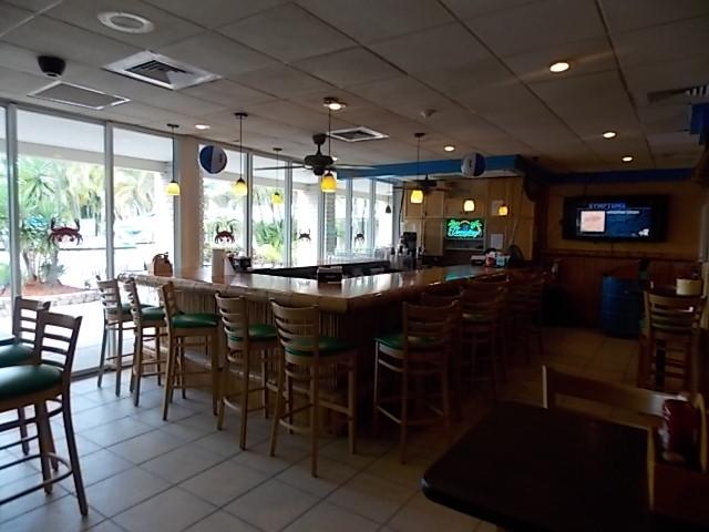 Pinchers Crab Shack inside Bar
