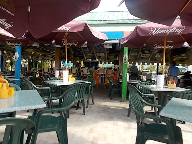 Pinchers Crab Shack outside Bar & Grill 2