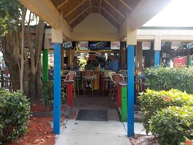 Pinchers Crab Shack outside bar entrance