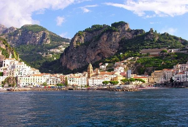 Amalfi Waterside Pic