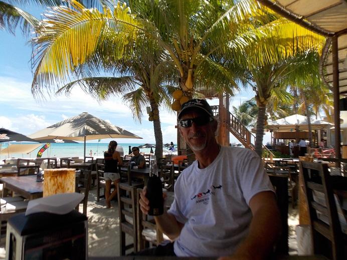 Playa Beach Bar Tony