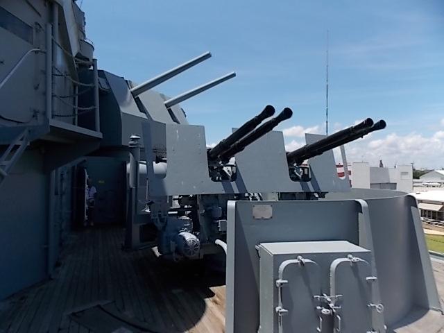 USS AL 38 cal & Anti aircraft gun