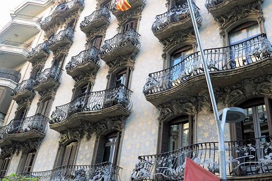 pic-4-balconies