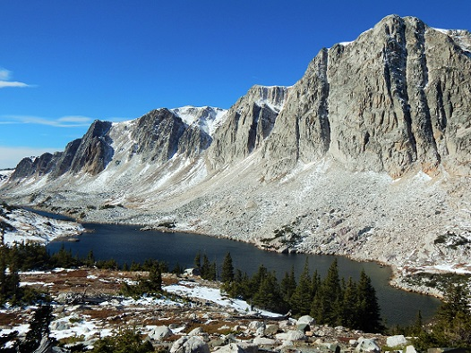 medinicine-bow-snowy-range-mtns-lewis-lake-3